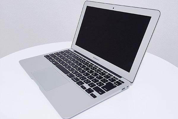 MacBook Air_記事用アイキャッチ画像