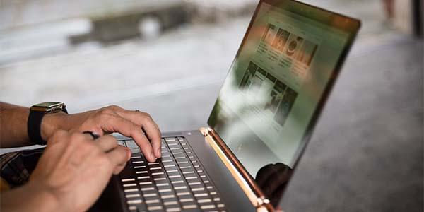 レスポンシブを入れる方法のブログ_導入画像